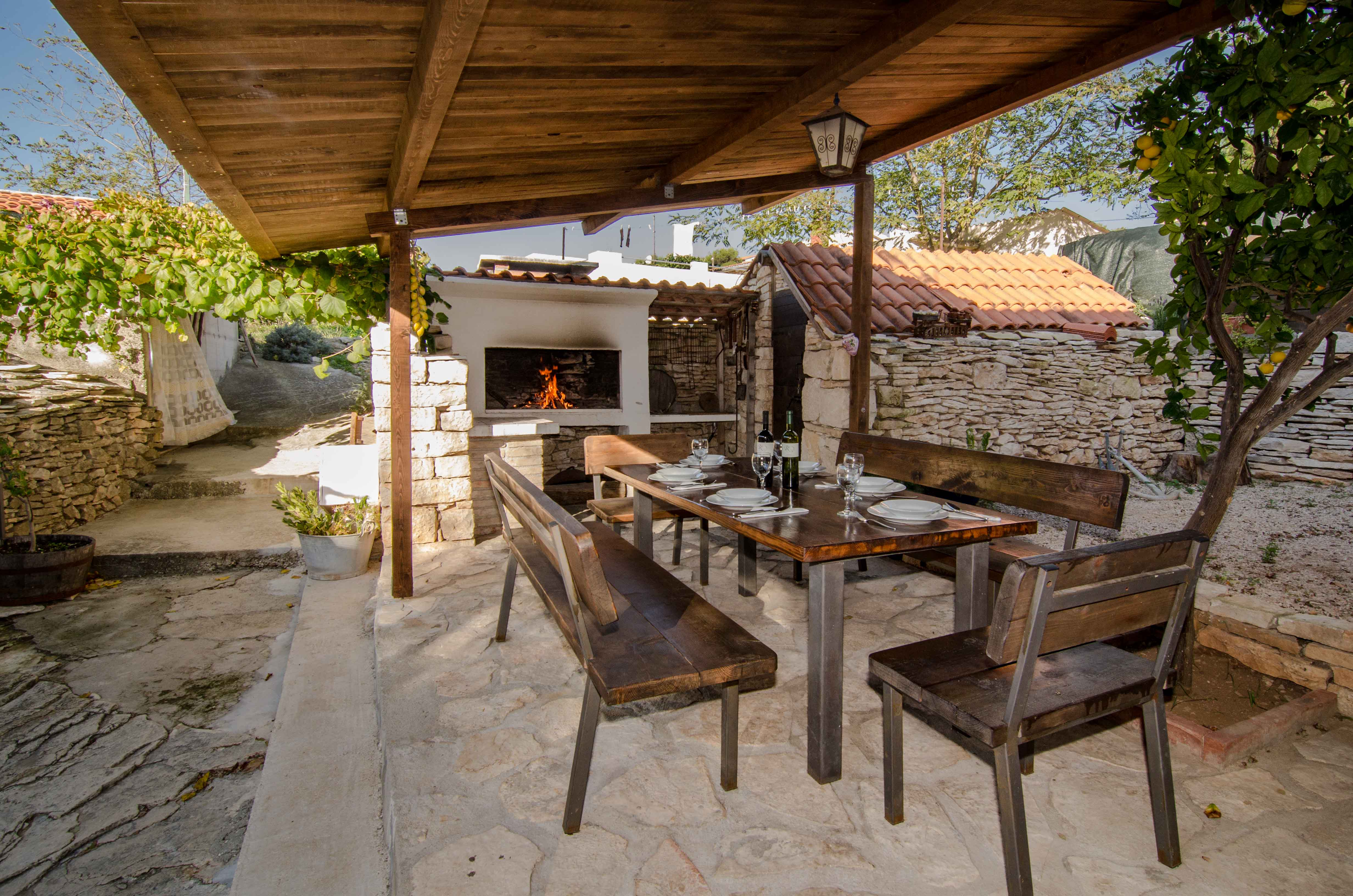 Active holidays - Island of Vis - Croatia - accommodation