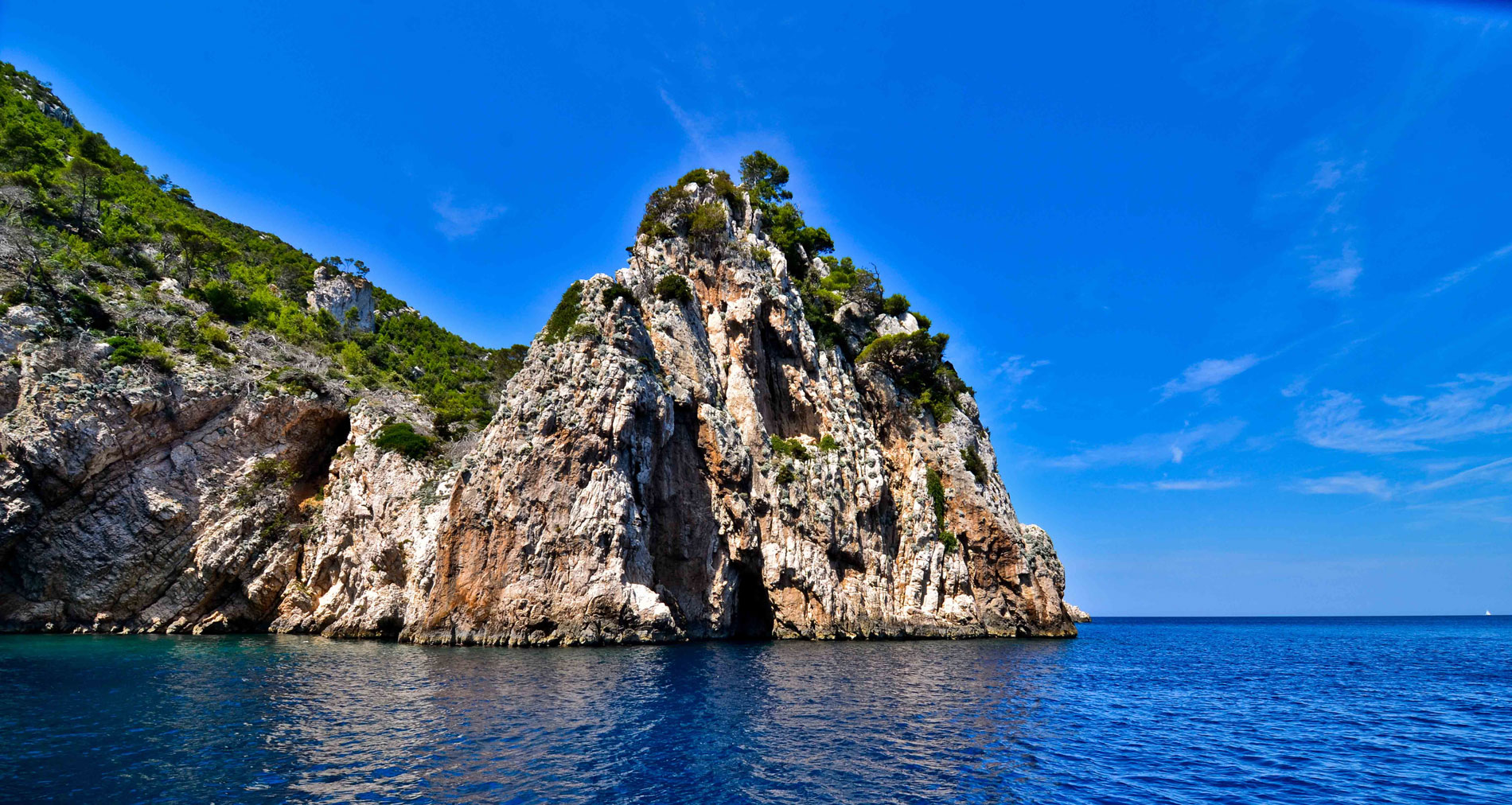 Active holidays - Island of Vis - Croatia - boat tour